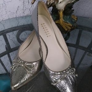 Shoes - BARNEYS NEW YORK - Vero Cuoio Silver Flats size 6